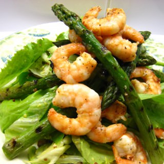 Griddled King prawn & asparagus salad