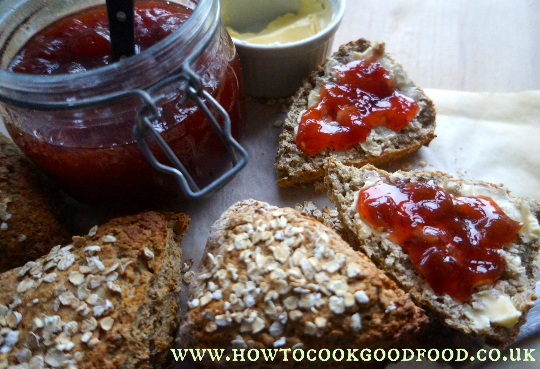 Simple Rye Soda Bread Rolls