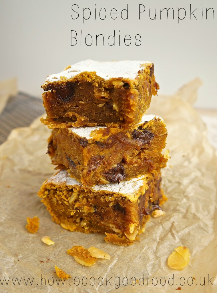 spiced pumpkin blondies