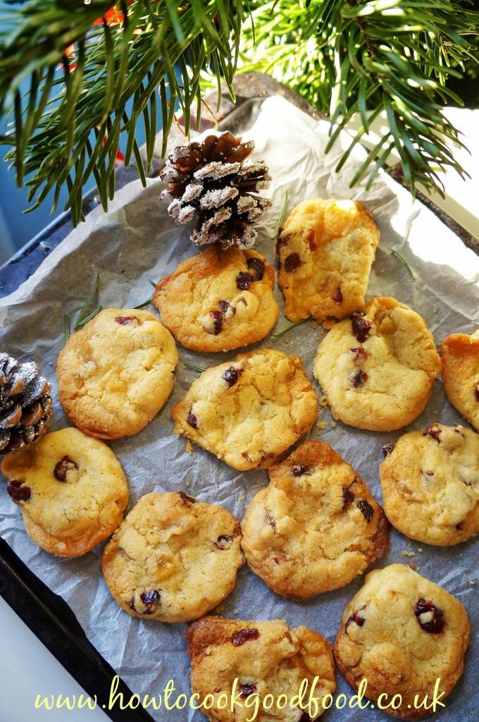 stollen biscuit bites