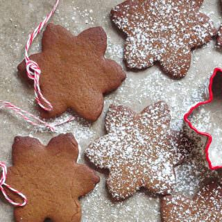 Spiced Christmas Biscuits – Pop Up Bake Club Recipe